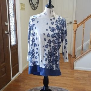 Nice thin blue floral sweater top/tunic